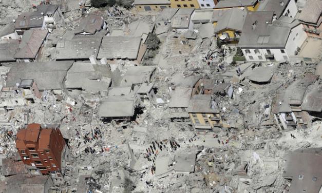 «È un secondo sisma: migliaia gli sfollati. Va ripensato l'intervento Caritas»