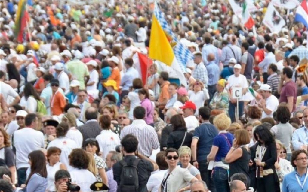 La Diocesi cerca tremila volontari per la visita del Papa