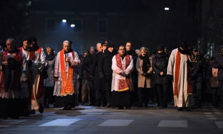 A Erba la prima Via Crucis 2018. A questa morte si appoggia chi vive