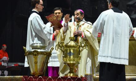 Messa Crismale, l'Arcivescovo ai sacerdoti: «Coltivate la comunione tra voi e annunciate la speranza»