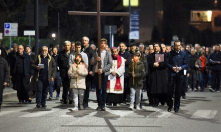 «Milano, città delle moltitudini e delle solitudini, dell'audacia verso il futuro, impara a pregare»