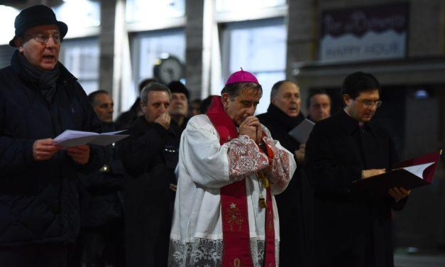 Via Crucis con l'Arcivescovo a Gallarate