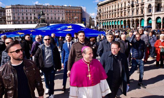 """L'Europa """"giovane"""" colora Piazza Duomo"""