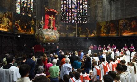 Rito della Nivola in Duomo. «Veneriamo il Santo Chiodo cercando risposte alle nostre domande»