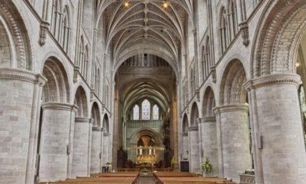 L'Arcivescovo dispone la sospensione delle Messe