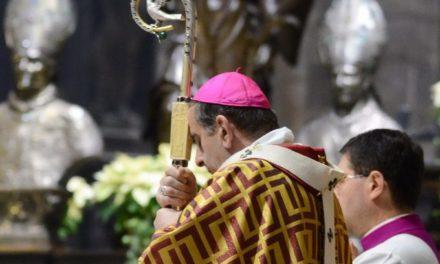 Alle 6.28 in preghiera per la pace con l'Arcivescovo