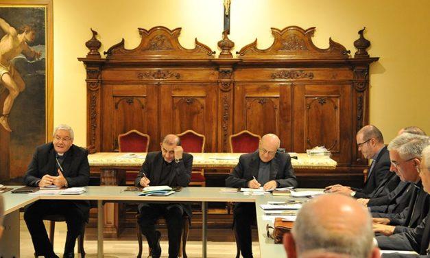 I Vescovi lombardi: Messe con il popolo sospese fino a nuova comunicazione